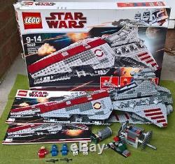 CUSTOM Lego UCS Star Wars Venator-Class Star Destroyer 6125pcs Plaque 8039