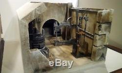 Custom Star Wars diorama (jabba's droid torture chamber)