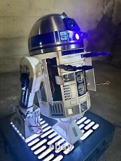DeAgostini R2D2 Custom Painted 1/2 life size R2D2 Droid w LED Base Star Wars