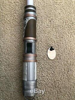 Disneyland Star Wars Galaxy's Edge Savi's Workshop EXCLUSIVE custom lightsaber