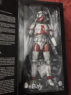 Sideshow Collectibles Star Wars Imperial Incinerator Stormtrooper Custom 1/6