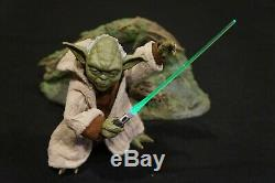 Sideshow Star Wars 1/6 Yoda figure with custom LED Lightsabre + more accessories