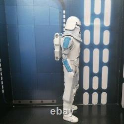 Star Wars The Black Series 6 Inch 501st Clone Snow Trooper Custom