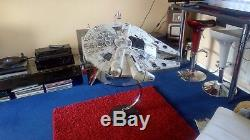 Star wars de agostini millennium falcon fully completed model on custom base